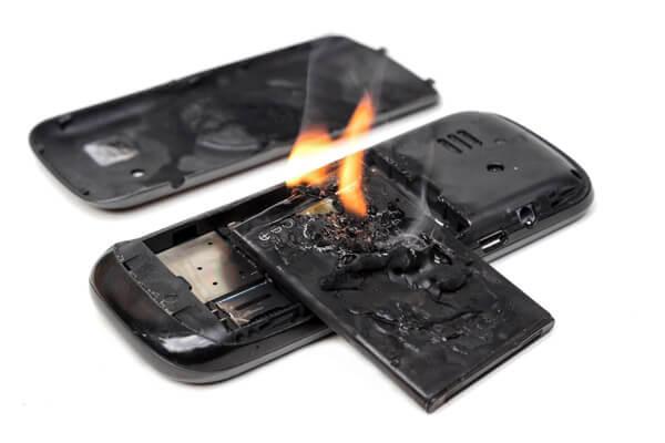 آیا باتری بادکرده خطرناک است ؟