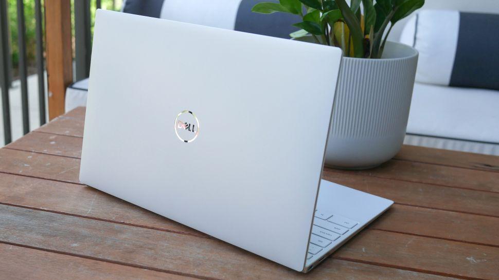 بررسی طراحی لپ تاپ Dell XPS 13 OLED