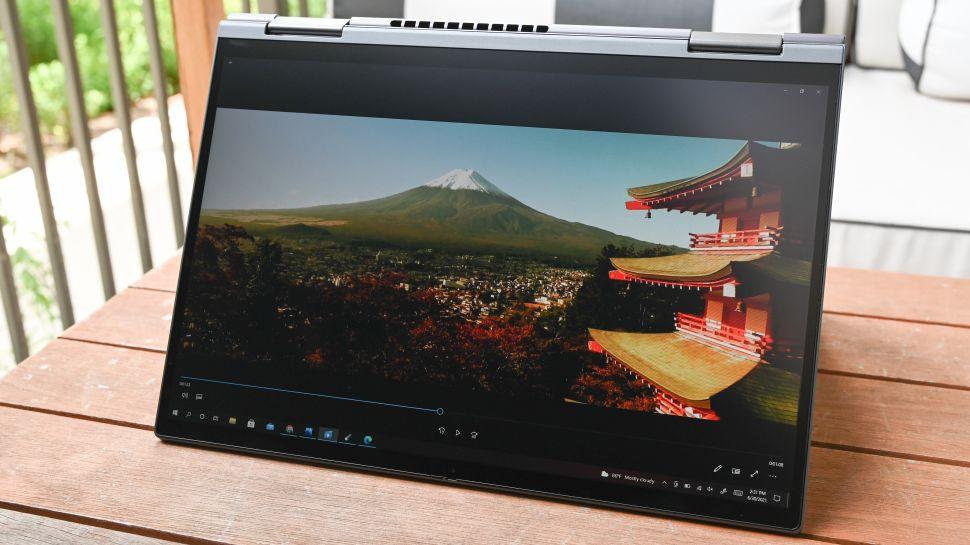 بررسی نمایشگر لپ تاپ لنوو ThinkPad X1 Yoga Gen 6